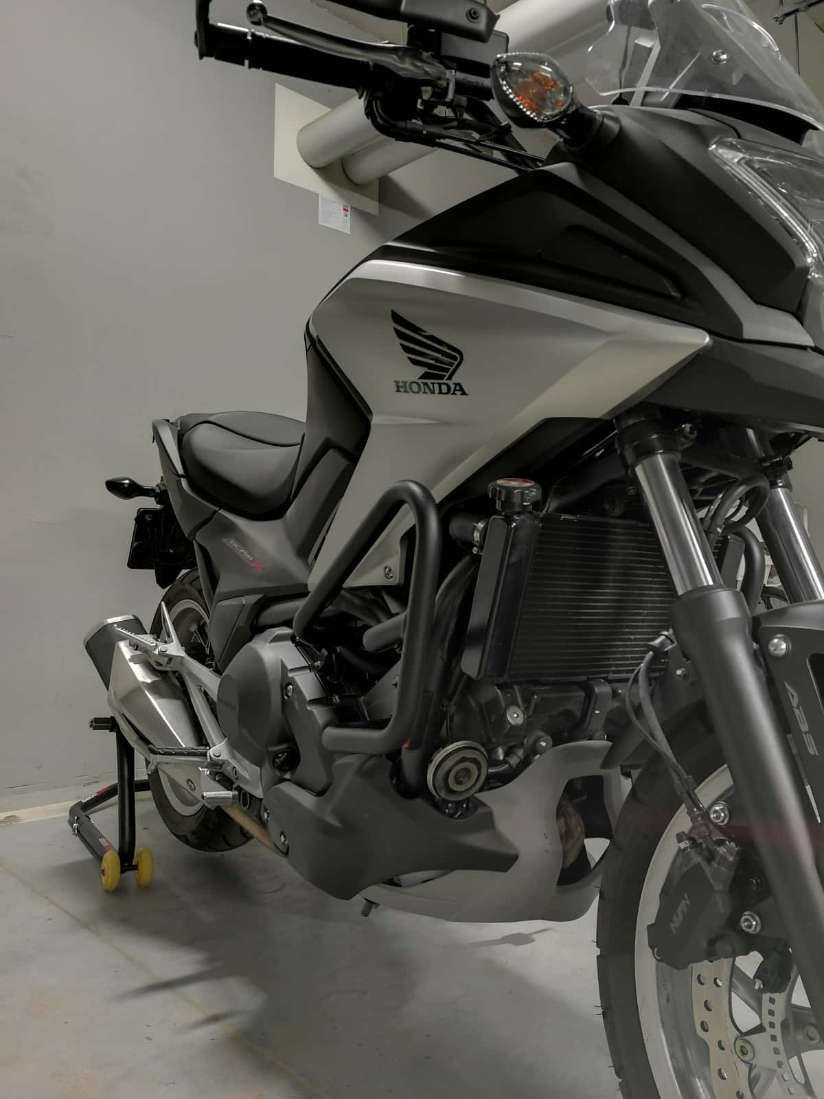 Honda NC750X z gmolami Givi TN1111