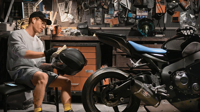 Woskowanie i polerowanie motocykla
