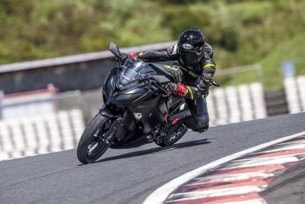 Pierwszy elektryczny motocykl od Kawasaki z manualną skrzynią biegów!