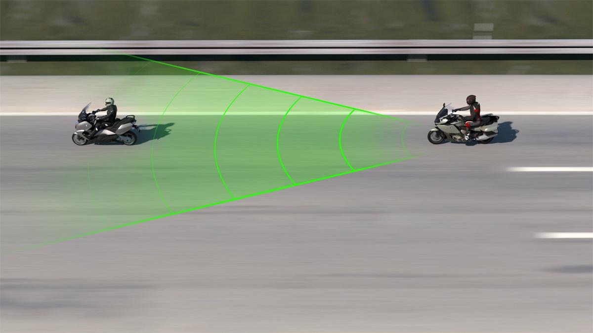 BMW Motorrad prezentuje aktywny tempomat ACC