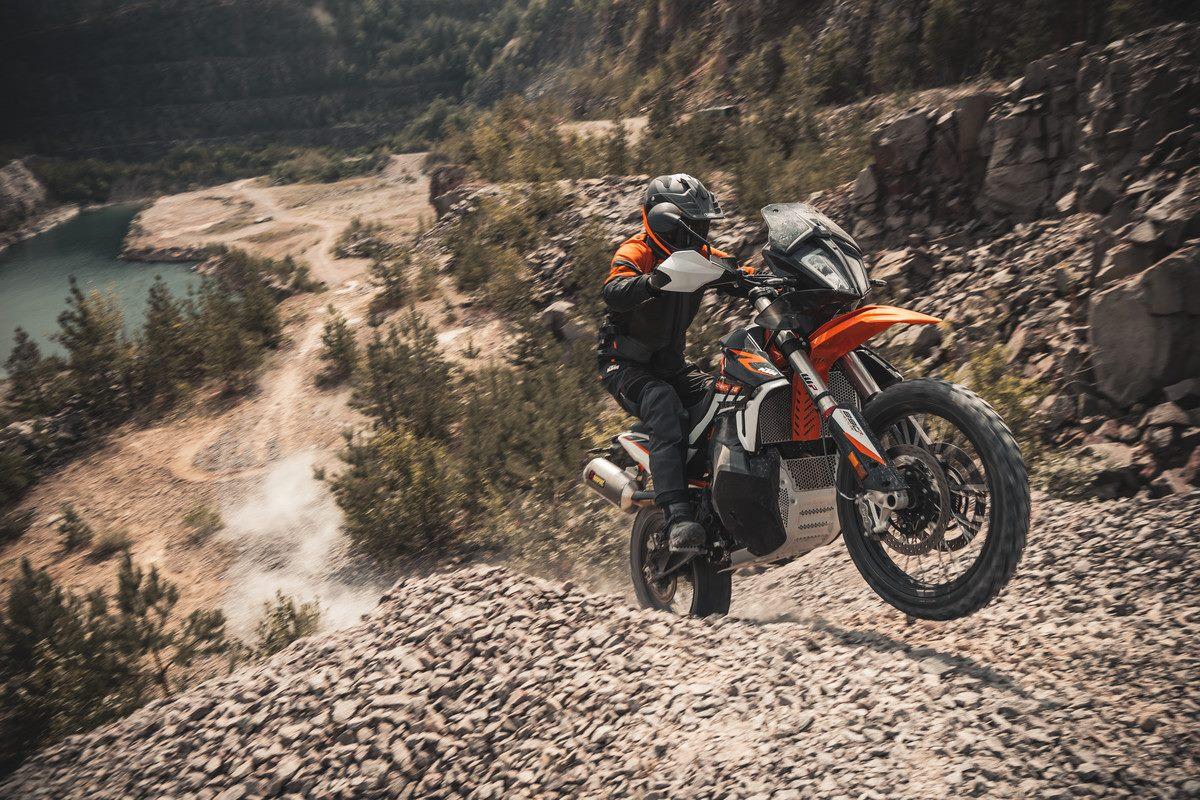 2021 KTM 890 Adventure Rally & KTM 890 Adventure R otwierają nowe horyzonty