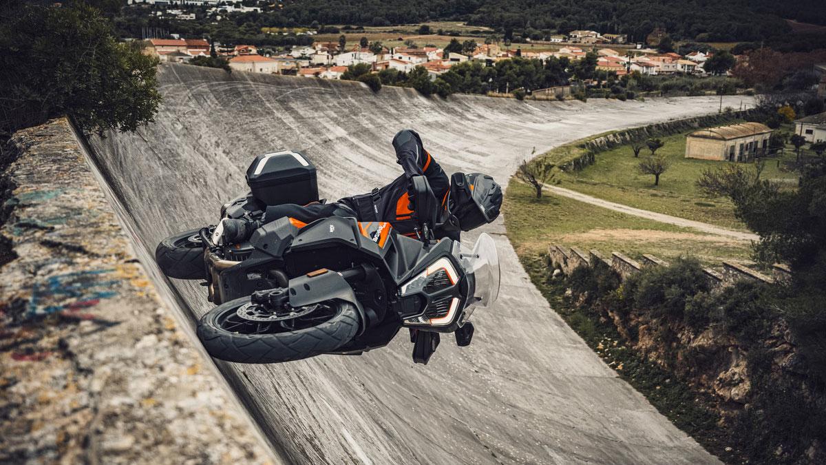 KTM 1290 SUPER ADVENTURE S najbardziej zaawansowany sportowo turystyczny motocykl?